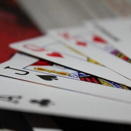 Hvad er strip poker?