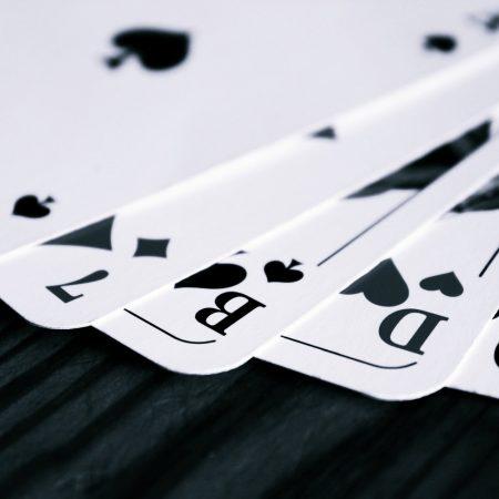 Sådan spiller du Omaha Poker