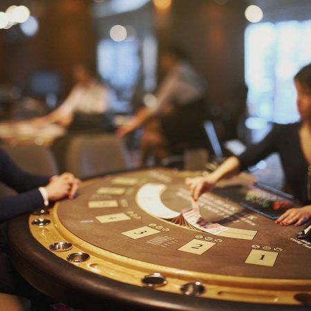 Guide: Sådan finder du det bedste pokerbord